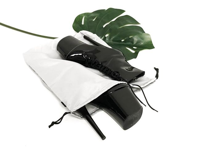 From 8-inch Pleaser boots to men's high-top basketball shoes, our XL drawstring shoe bag is designed for all your ankle boots & high-tops🙌The perfect packing accessory for all your modern life activities.💃🏀🥊