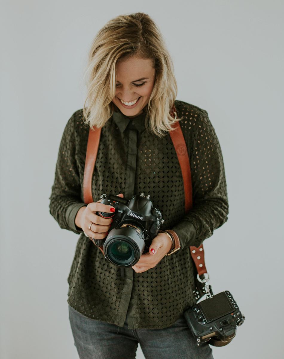 """Eliene de Jong-Sonneveld van Sunfield Photography - """"Joey heeft mij geholpen om mijn workflow te verbeteren. Hier heb ik echt serieus veel tijd mee gewonnen. Iedereen die sneller en effectiever wil bewerken, kan ik een workshop van Joey aanbevelen!"""""""