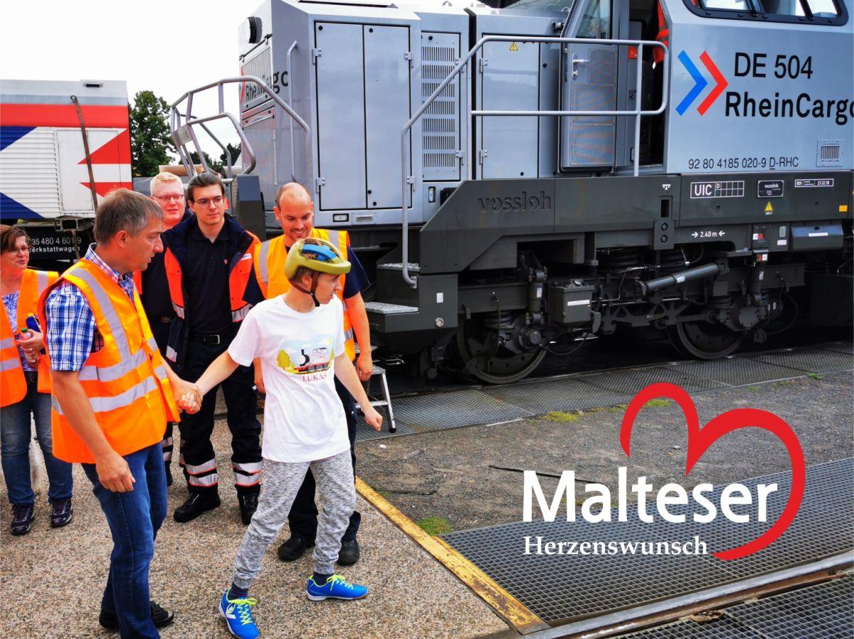 Für den 17-jährigen Lukas wurde mit der Fahrt im Zugführerstand der Lok ein Herzenswunsch wahr.