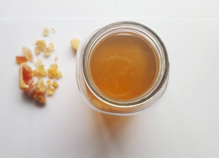 For the binder I use the highest grade of gum arabic, with spring water, glycerine, local honey and pinch of clove oil.
