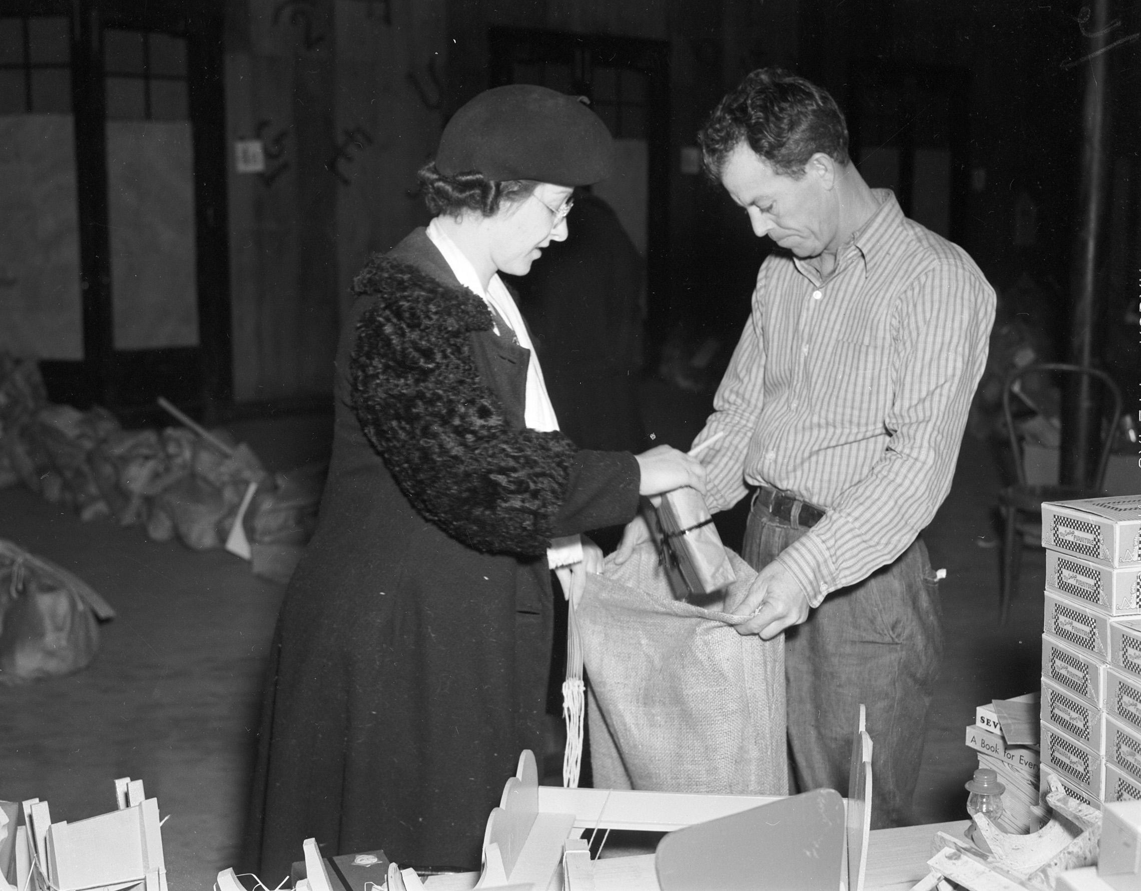 Goodfellow_Lady Bag_1937.jpg