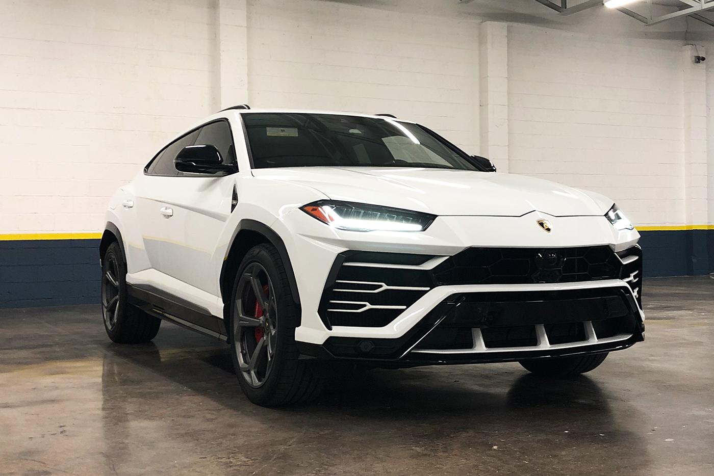 Lamborghini-Urus-_-Website1.jpg