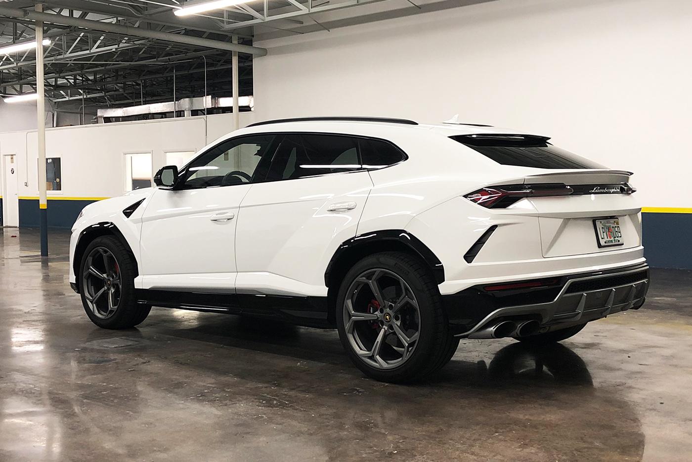 Lamborghini-Urus-_-Website2.jpg