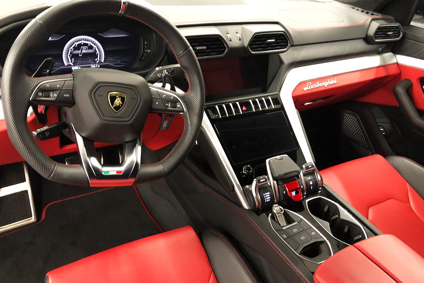 Lamborghini-Urus-_-Website4.jpg