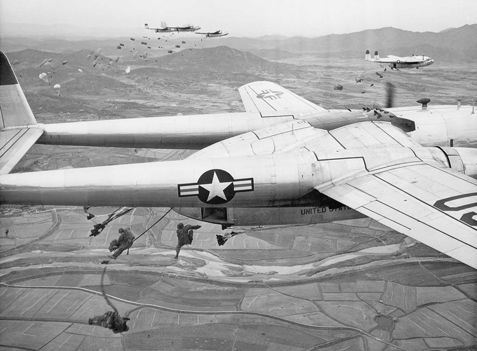 US Air Force C-119 1950.jpg