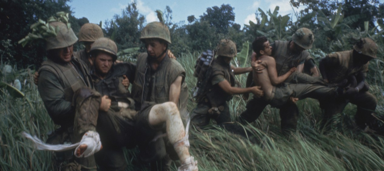 marines_carrying_wounded_banner.jpg