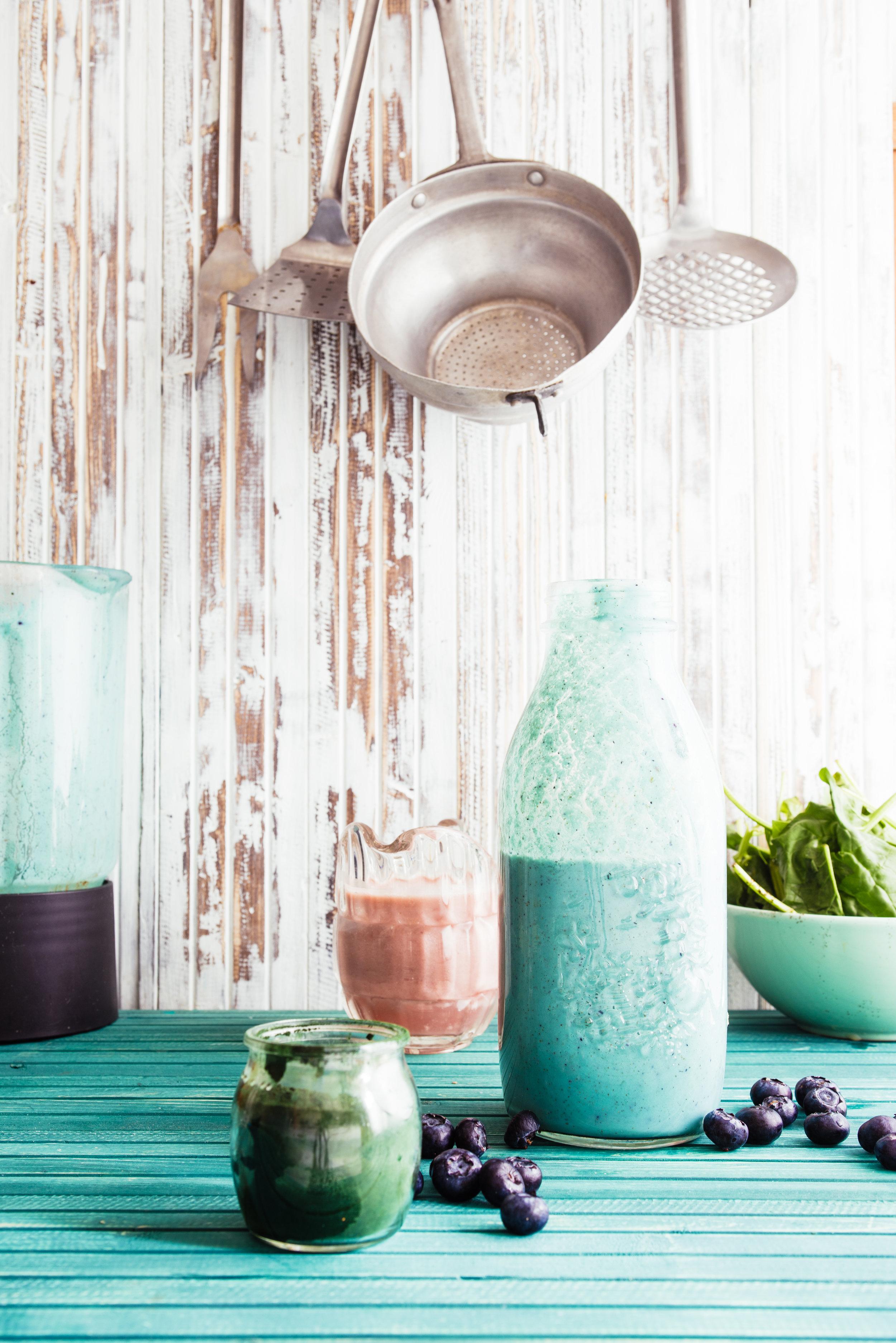 La spiruline est un aliment bon à manger et aussi bon à penser… - Elle conquiert les comptes Instagram des influenceurs food à travers le monde, par exemple avec la Blue Magic, un extrait de spiruline bleue qui colore nos plats (grâce à la phycocyanine).