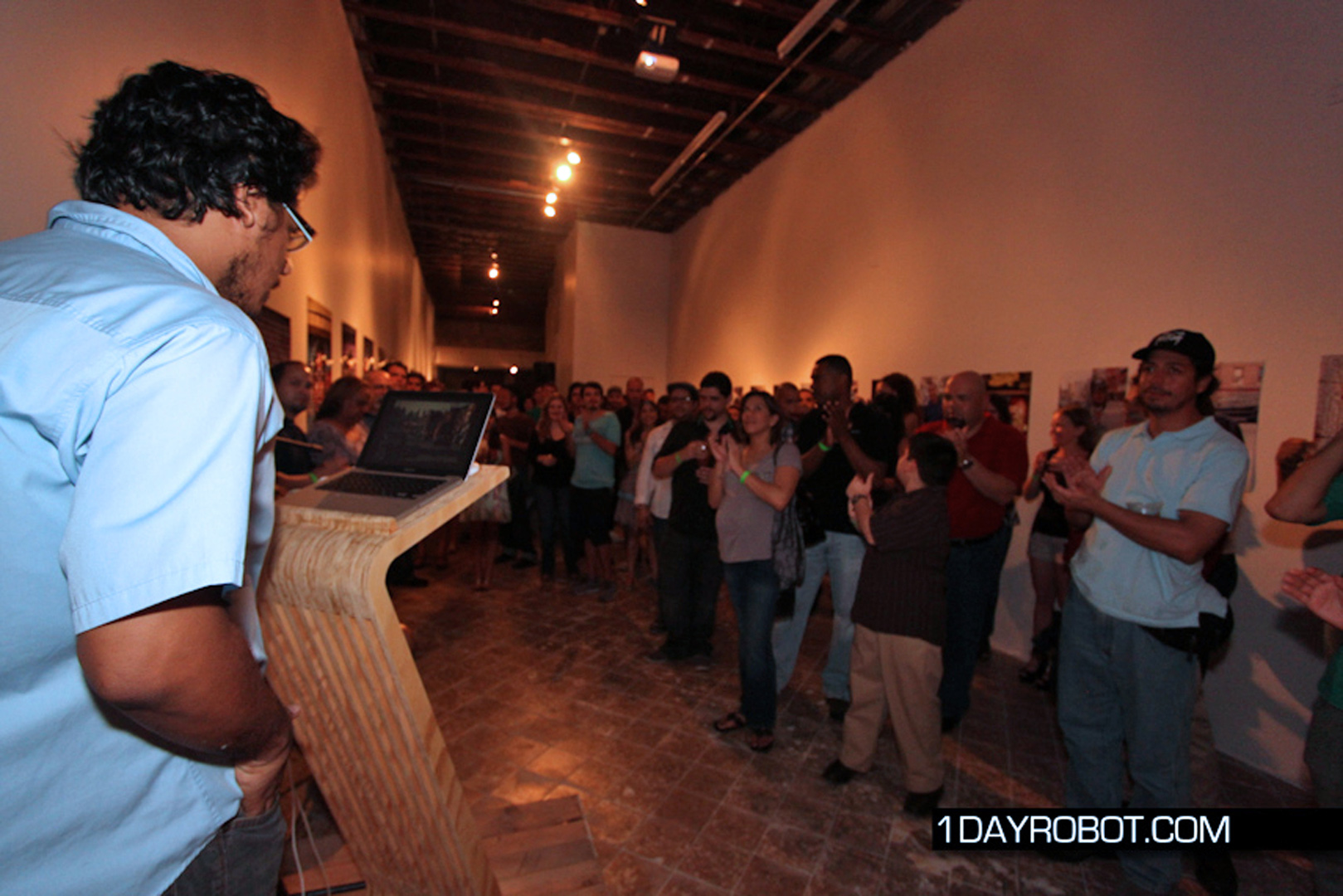 Javier giving the inaugural speech of the Sala Vectorial. June 16, 2011.