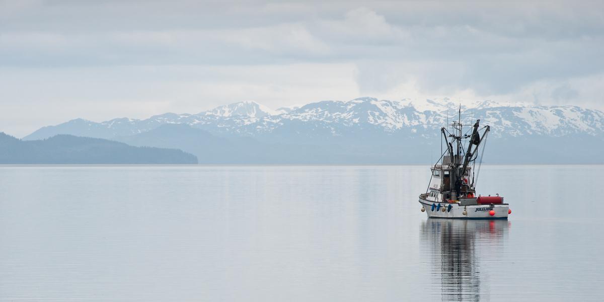 travel-boat-alaska-cordova-1.jpg
