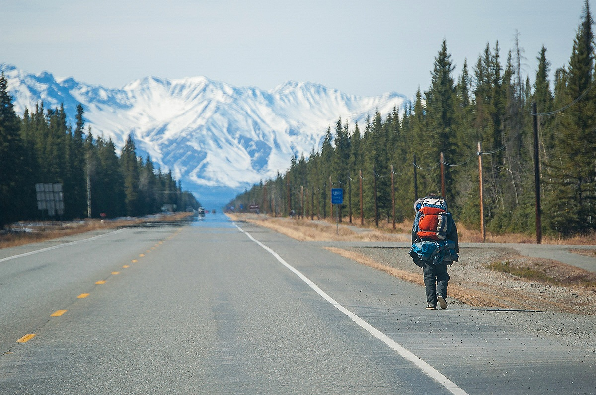 travel-road-alaska-2.jpg