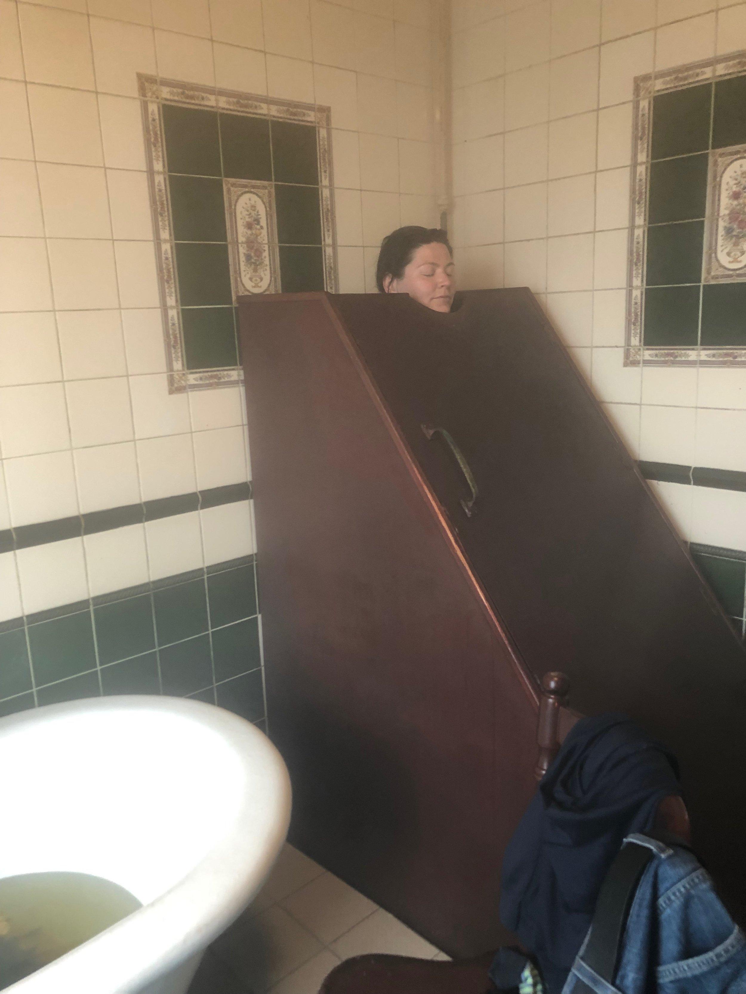 Steam bath in Victorian steam machine