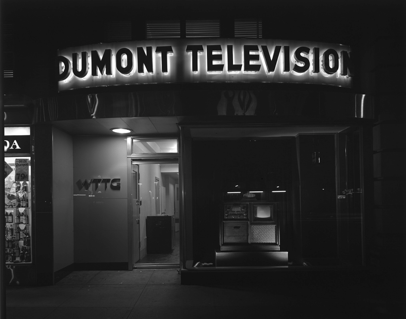 WTTG television station headquarters at Raleigh Hotel, 12th Street and E Street, N.W., Washington, D.C. Horydczak, Theodor, Approximately, photographer. Griffith Consumers Co. Exterior of Dumont Television, 12th St. Washington D.C, 1948. Photograph. https://www.loc.gov/item/thc1995000397/PP/.