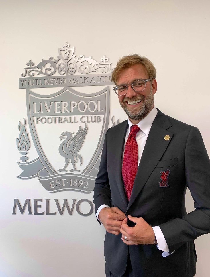 Signature Bespoke Kits Out Lfc In New Club Suits