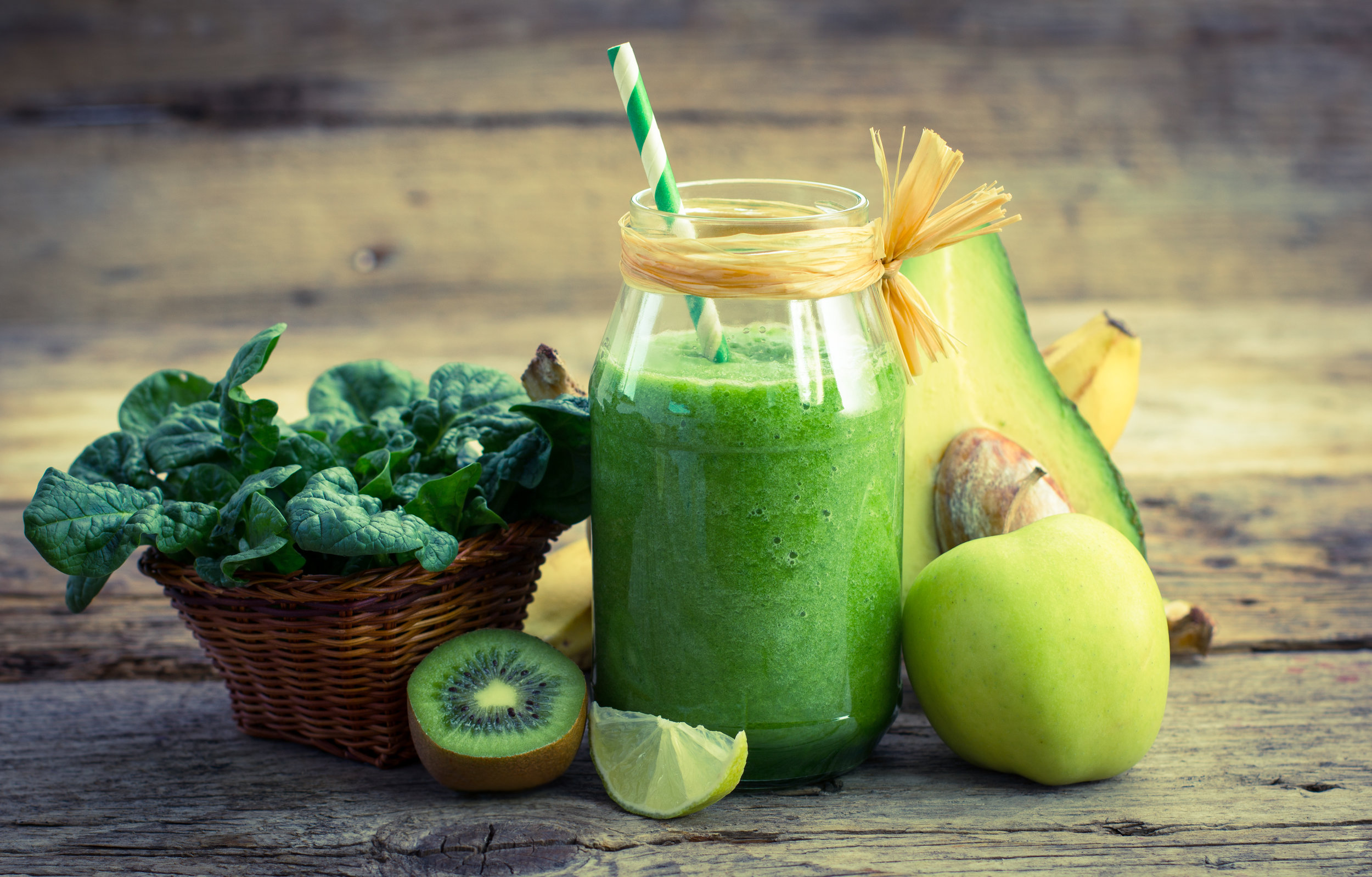 green smoothie photo.jpeg