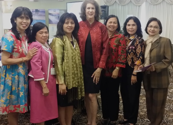 Susan-and-Indonesians-600x.jpg