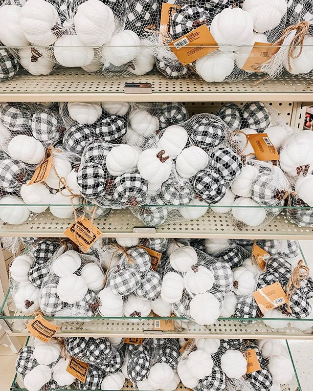 Went to hobby lobby today since I'm off of work, and YALL! They are starting to get in their Fall 2019 decor and I am already OBSESSED! Don't get me wrong, I love summer! But fall + buffalo check is what my dreams are made of! I'm so excited to see what else they come out with! 🌻🧡 • • • • #hobbylobby #decor #fallalready #fall2019 #homedecor #blog #homedesign