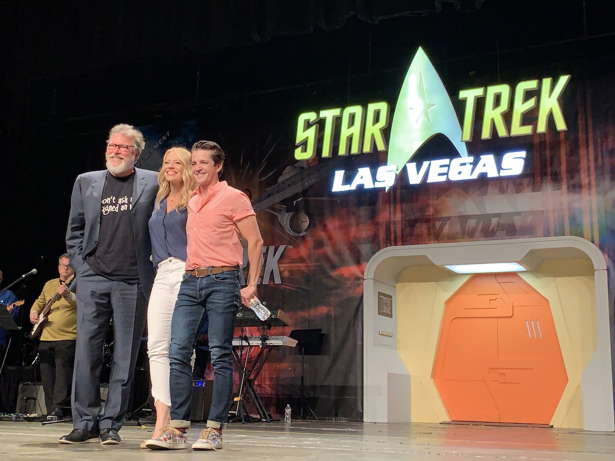 Jonathan Frakes, Jeri Ryan and Jonathan Del Arco at Star Trek Las Vegas 2019