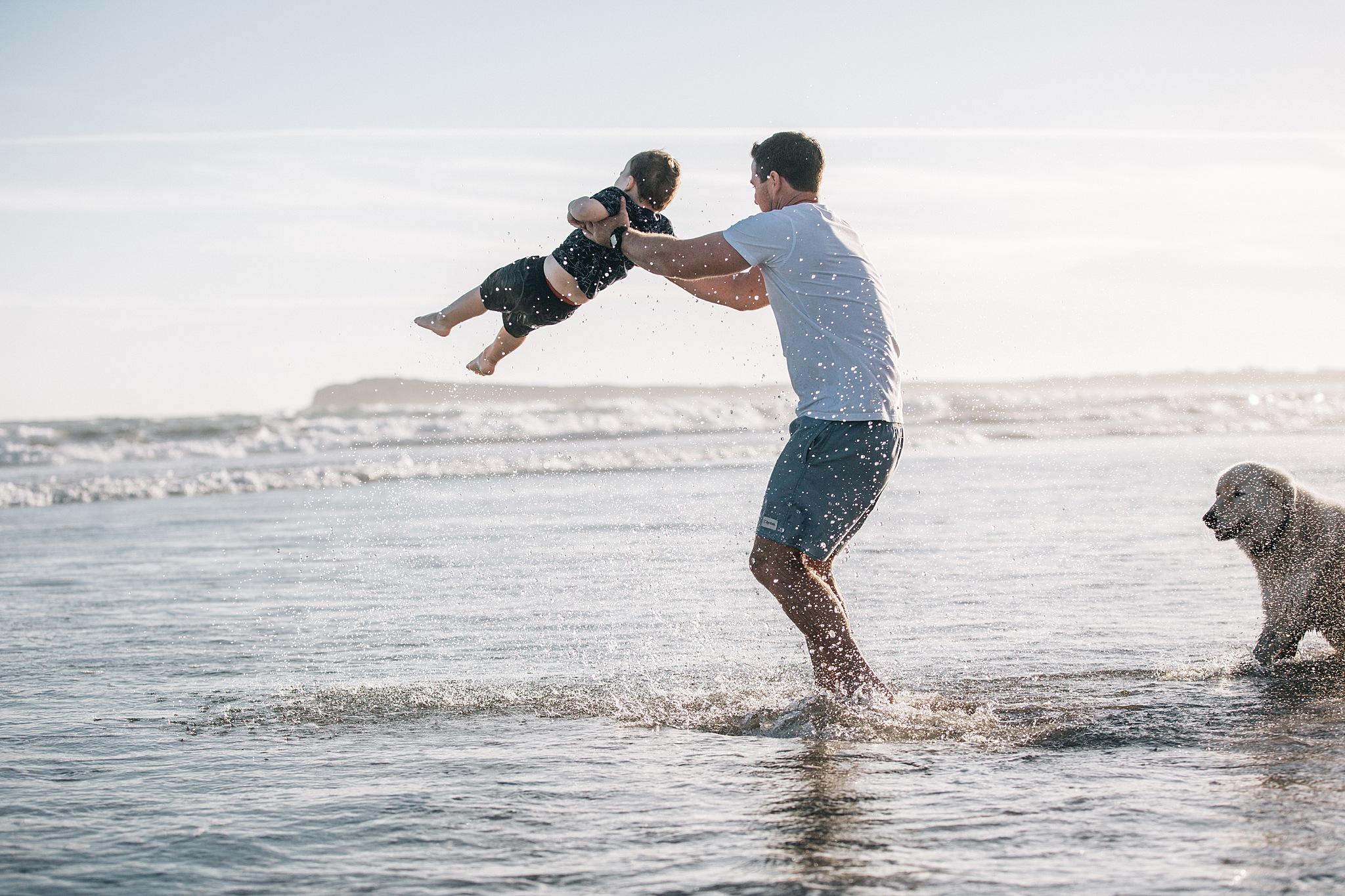 beach fun Family lifestyle session Ocean Grove.jpg