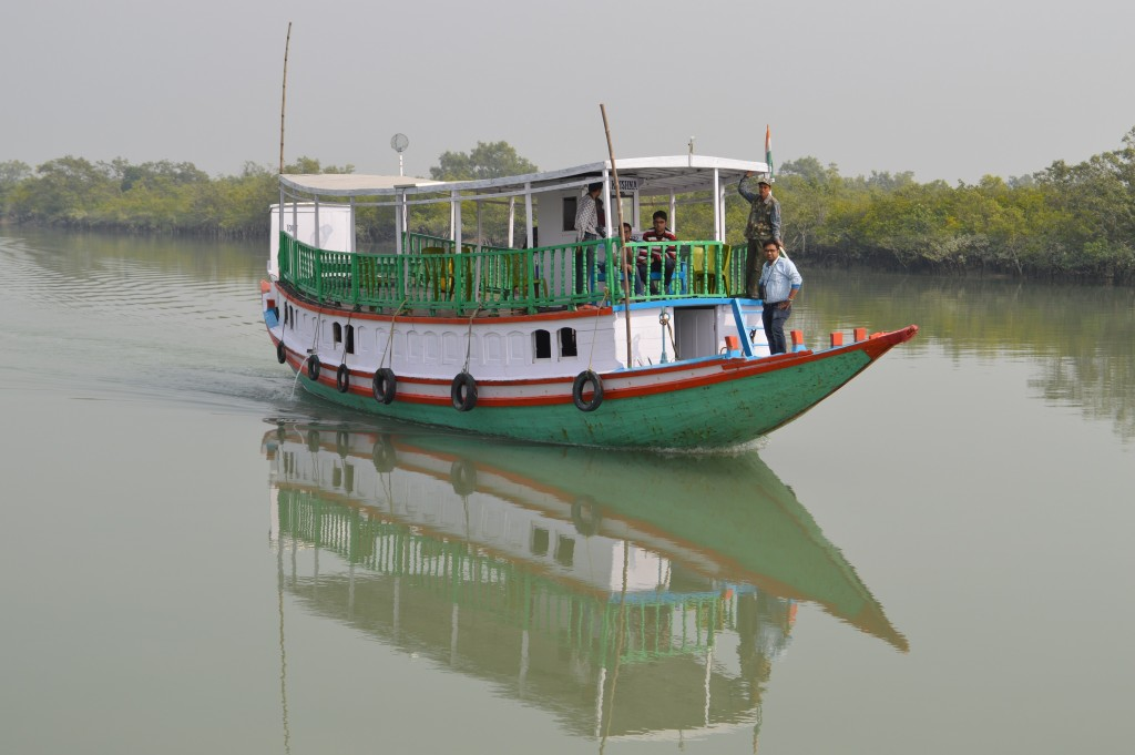 Boat-ride-to-The-Sunderban-Tiger-Camp-1024x681.jpg