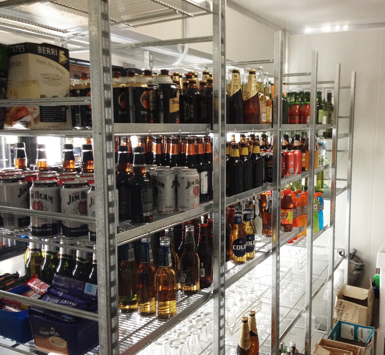 Bar_Beer_Wine_Coolroom_Glass_Display_Shelving.jpg