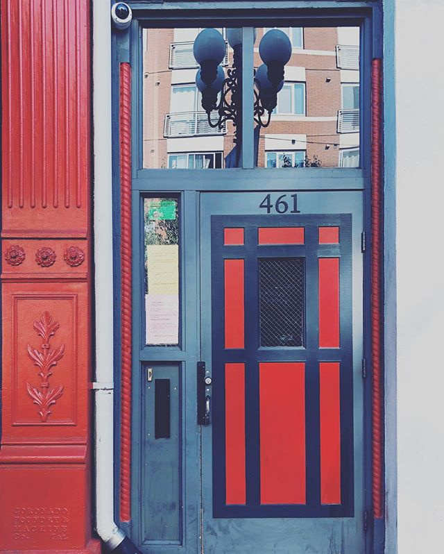 Seeing Red • • • #architecture #architecturephotography #sandiego #california #openings #doorways #doors #community #design #picoftheday #entrance #housing #residential #mixeduse #commercial #cityliving #urbanism #newurbanism #citylife #downtown #gaslampquarter #gaslampsandiego #gaslampdistrict #reddoors #sandiegocharm