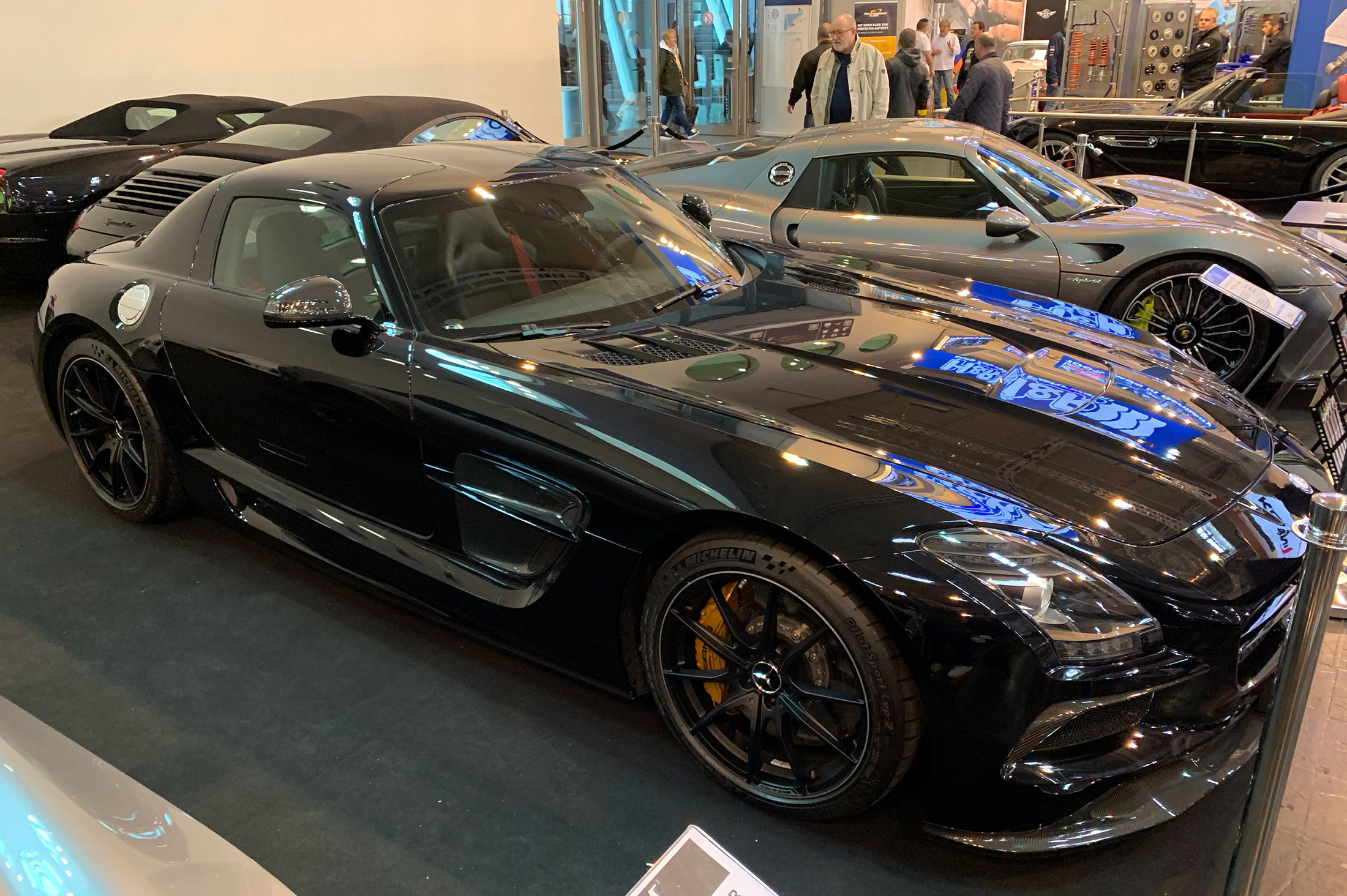 SLS Black Series, no big deal right? Wait for it…notice it's lacking the big wing and front canards. This is a Black Series without all the obnoxious (to some) aero…BADASS.