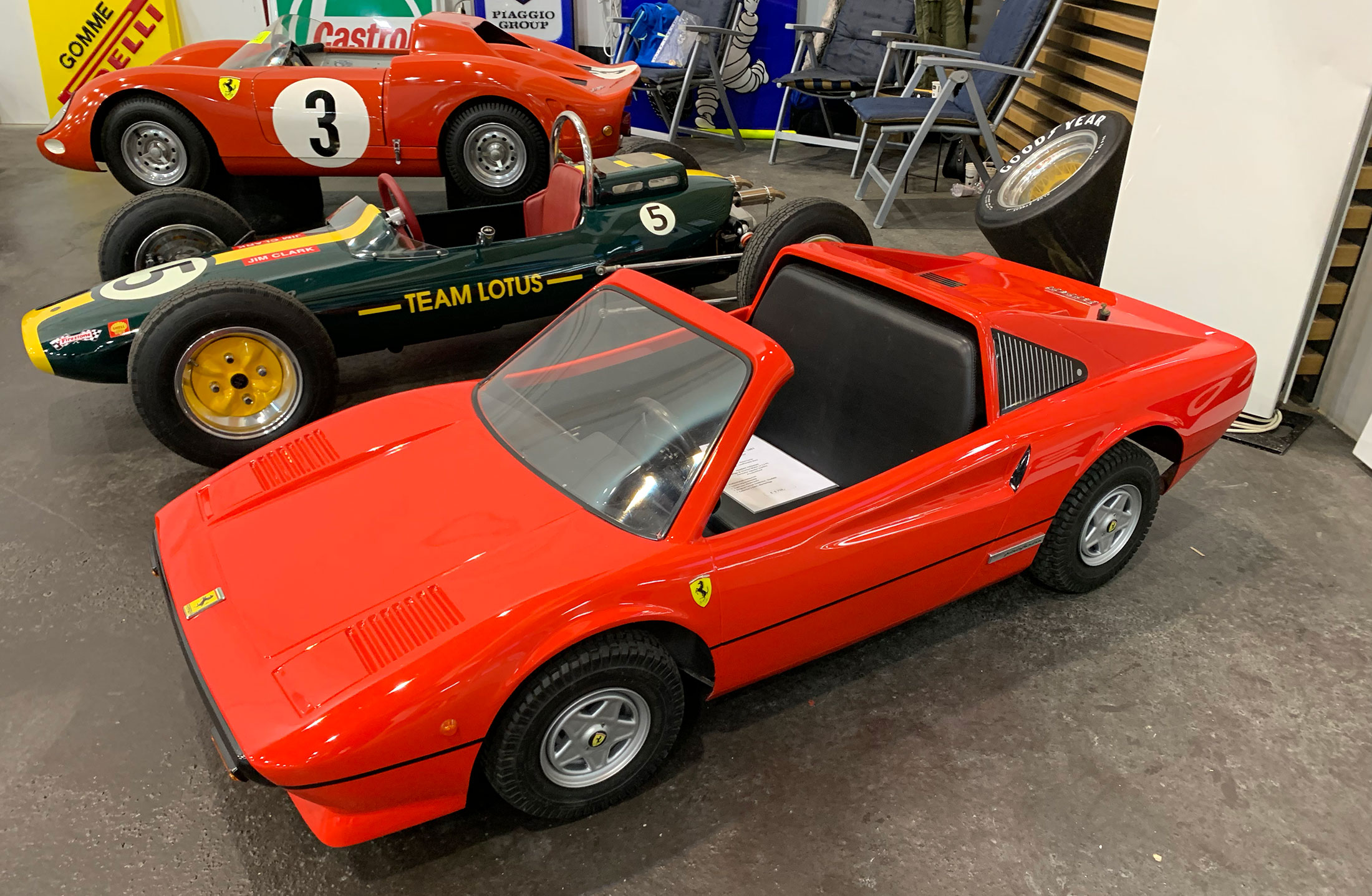 There was a small section with kids cars - nice little Ferrari 308/328 / Mini Magnum PI.
