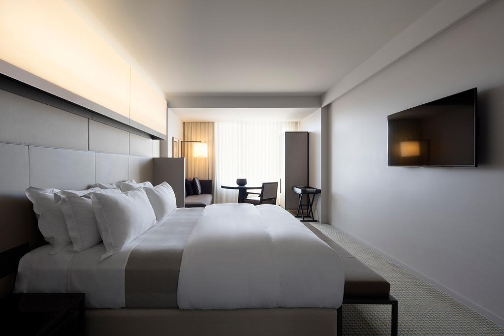 Hotel Realm.jpg