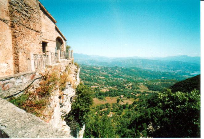 San Giovanni panorama bij Pietra Santa.jpg
