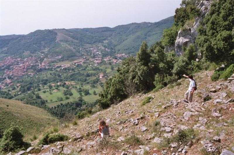 De Monte Bulgheria met uitzicht op San Giovanni a Piro (Custom).jpg