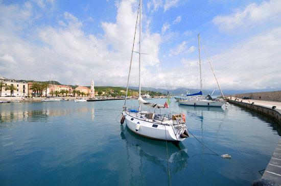 Prachtige haven van Scario (3).jpg