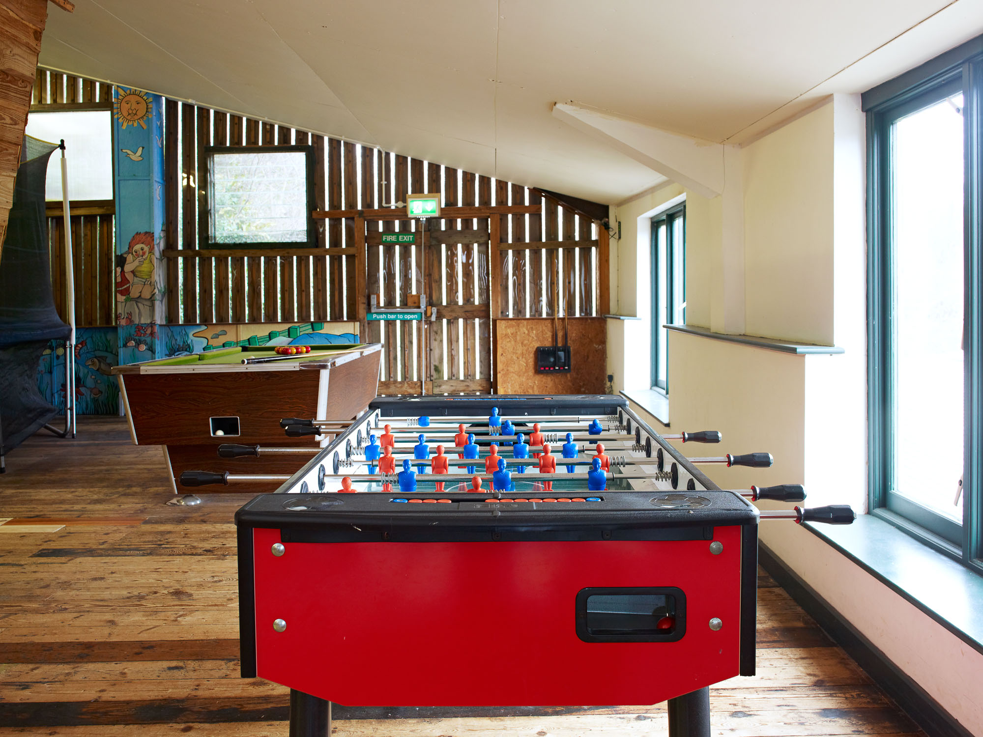 FF Pool & Barn 45287.jpg