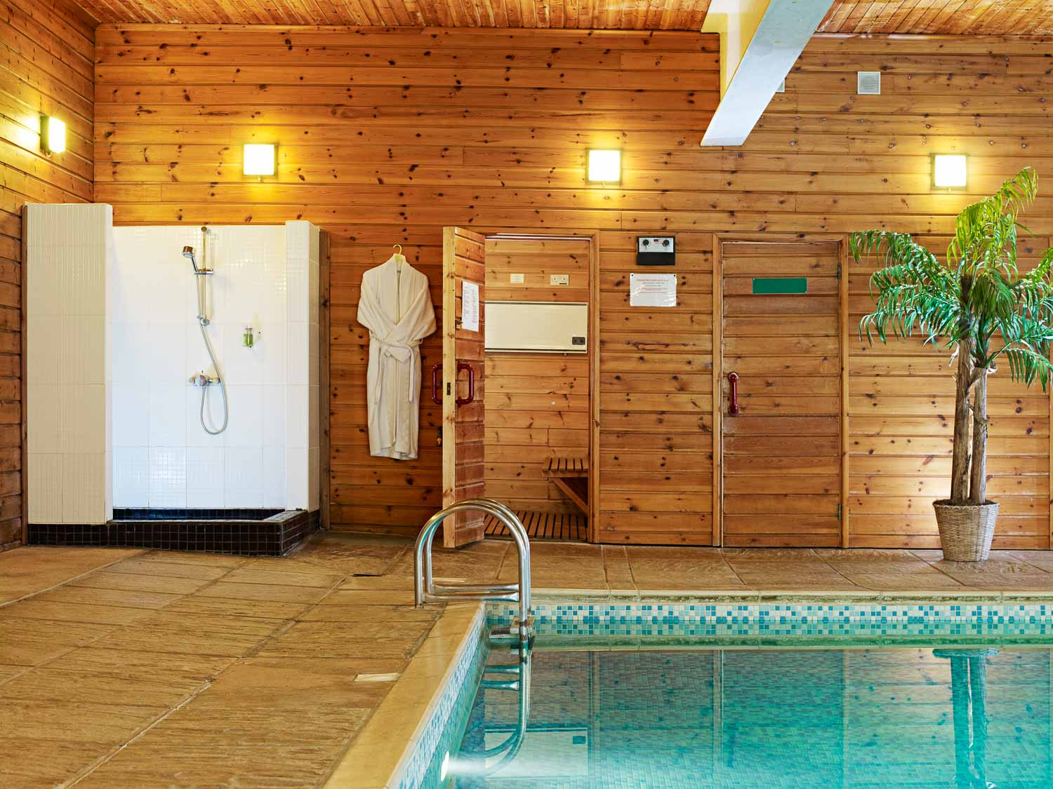 Flear Farm Cottages Indoor Pool, shower and changing room
