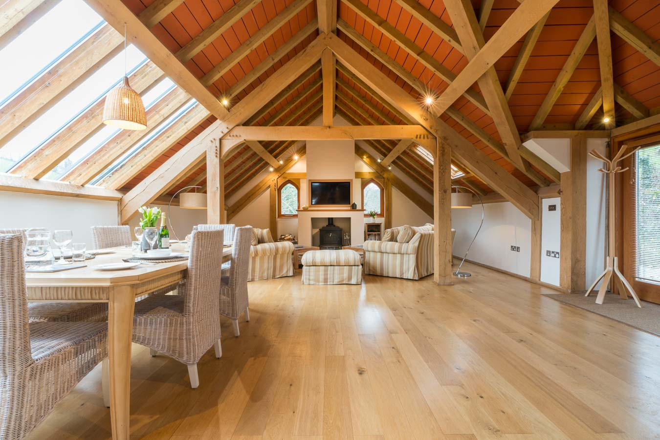 Light and expansive Orchard Lodge has all the comforts to make you feel at home while enjoying all the luxury Flear Farm has to offer, for all the family.