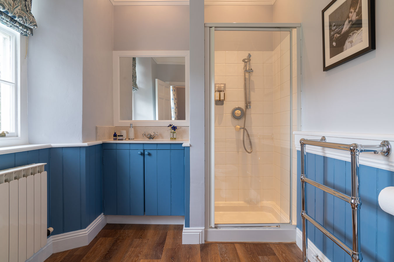 The blue bathroom which is en suit to the blue bedroom in Flear House.