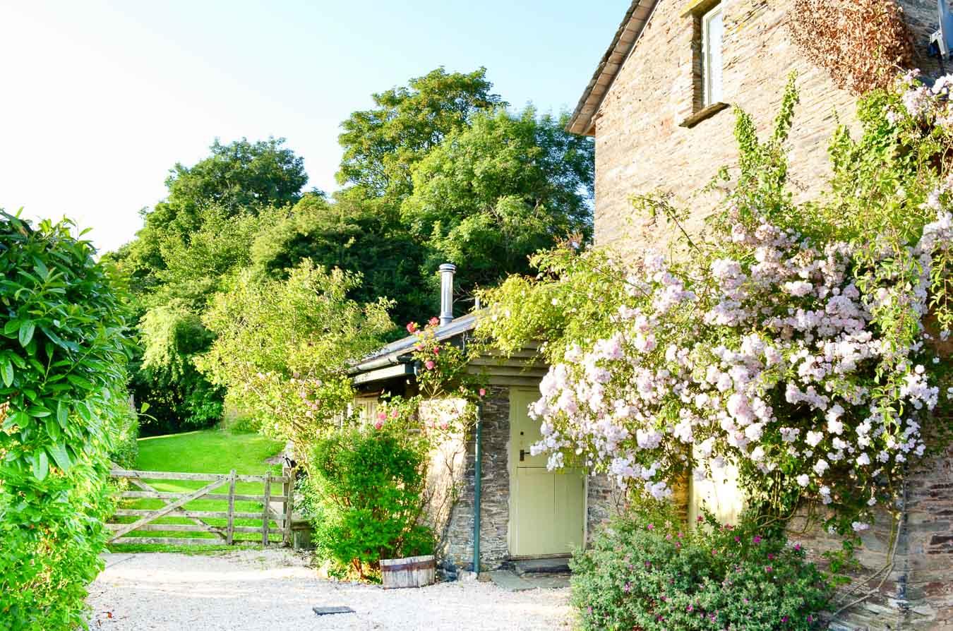 The Linhay, baby-friendly holiday cottage that sleeps 4 people. Flear Farm, Devon.
