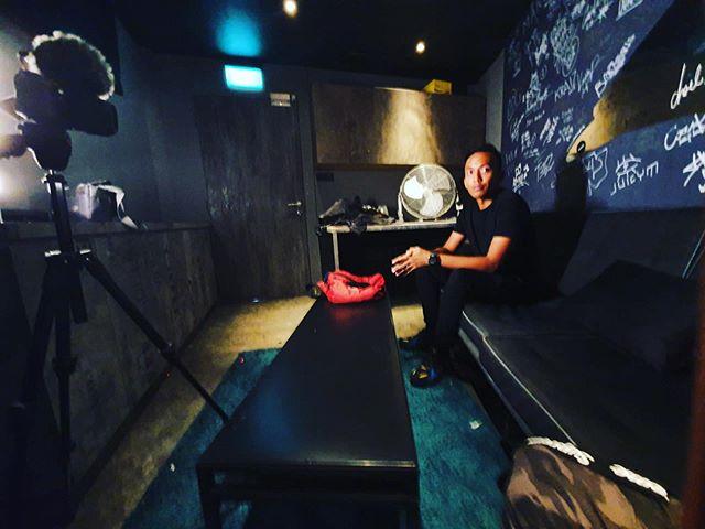 Had a lil chat about Trance earlier. Thank you @zouksingapore for having me. 📸 @frederickyao  #Effen #MusicProducer #DJ #Effen2019 #Singapore #Malaysia #RESIDNT #IamLiveXperience #MODJs #Clublife #Nightlife #Music #Progressive #Trance #EDM #UniversalMusic #UniversalMusicMY #UniversalMusicSG #TranceFamily #FSOE #FSOEClandestine #AvaRecordings #BlackHoleRecordings #PureTrance