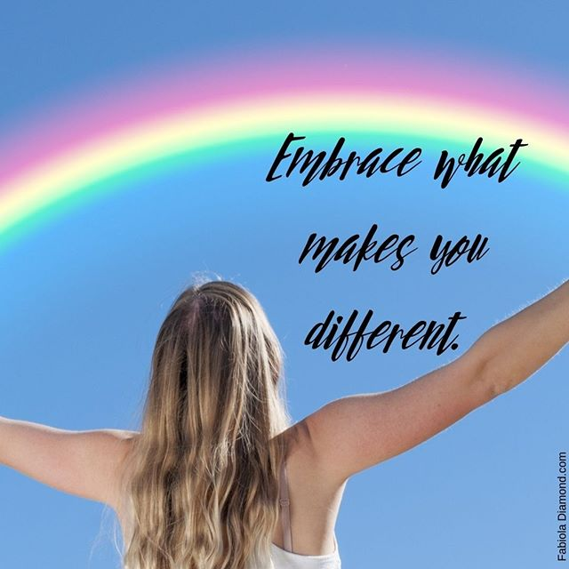 Bright ideas comes from unique minds. Embrace what makes you different, that is your most valuable asset.  #fabpreneur #tunegocioonline #positivemindset #freedom #mindfulness #holisticentrepreneur #loveyourself #knowyourworth