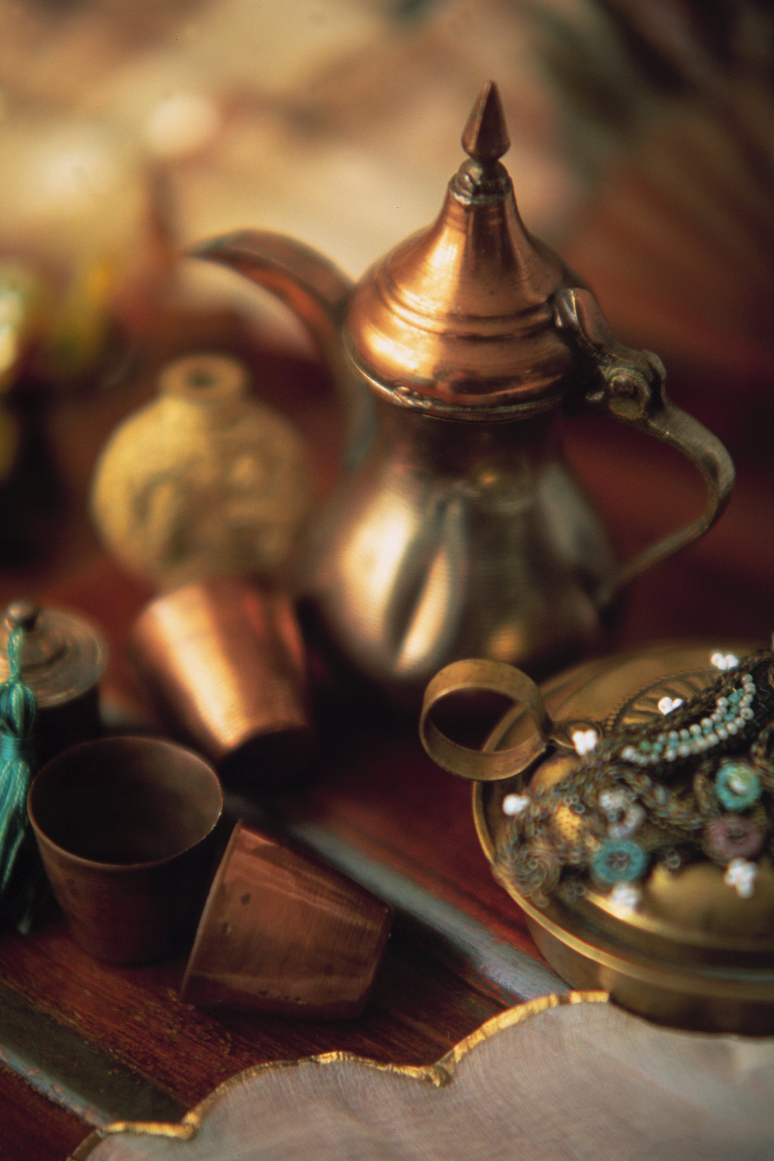 Naumkeg Copper tea pot.jpg