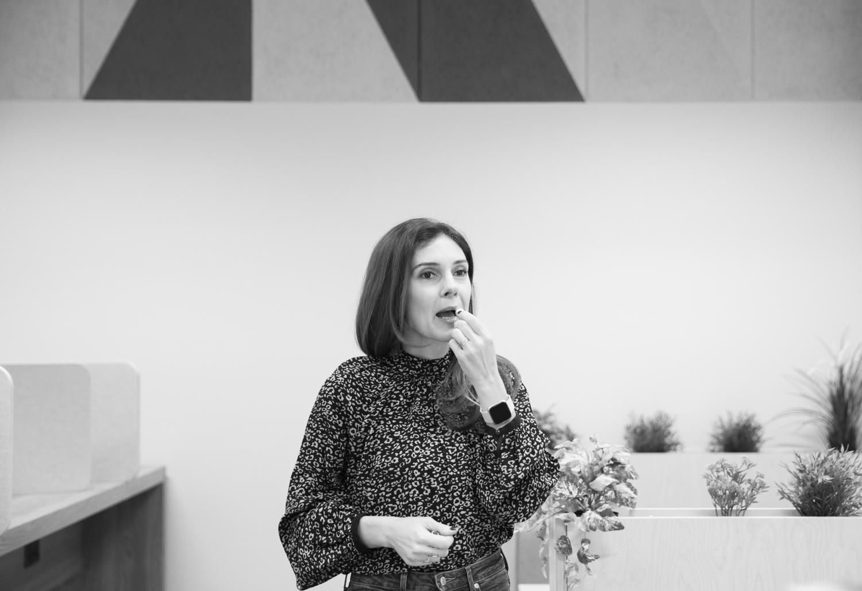 DonnaFord2019-KateSoutherbyRisecafe-1-3.jpg