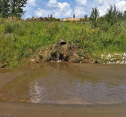 Effluent coming from the Samco property into the lake