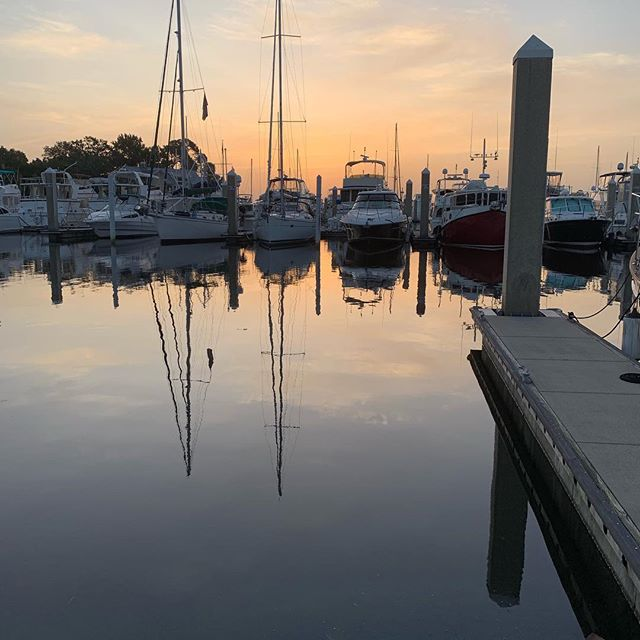 Calm water on the river and in the marina this morning. Have a great day everyone! #liveaboard #westsail32 #tenyearplan