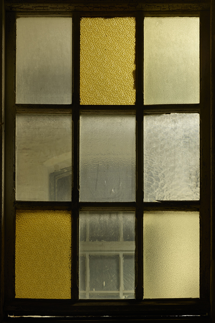 window nr4.jpg