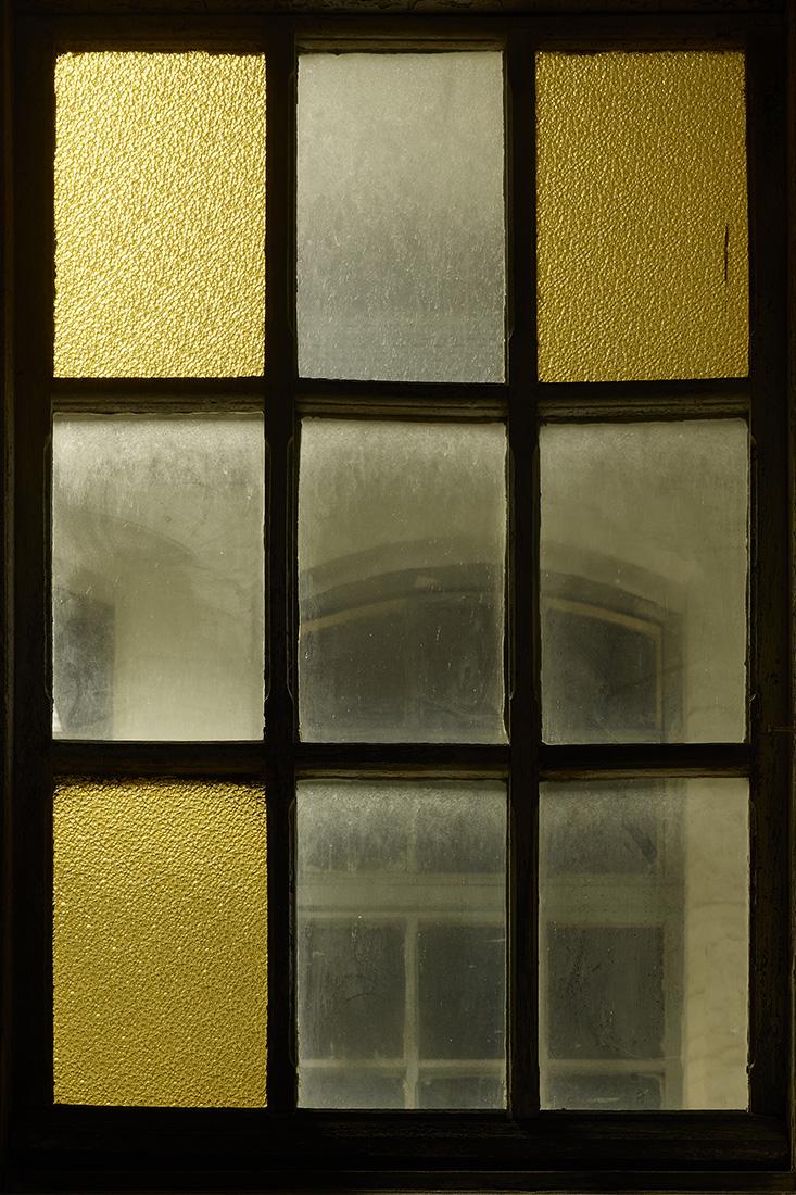 window nr6.jpg