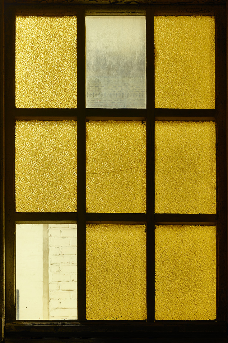 window nr9.jpg