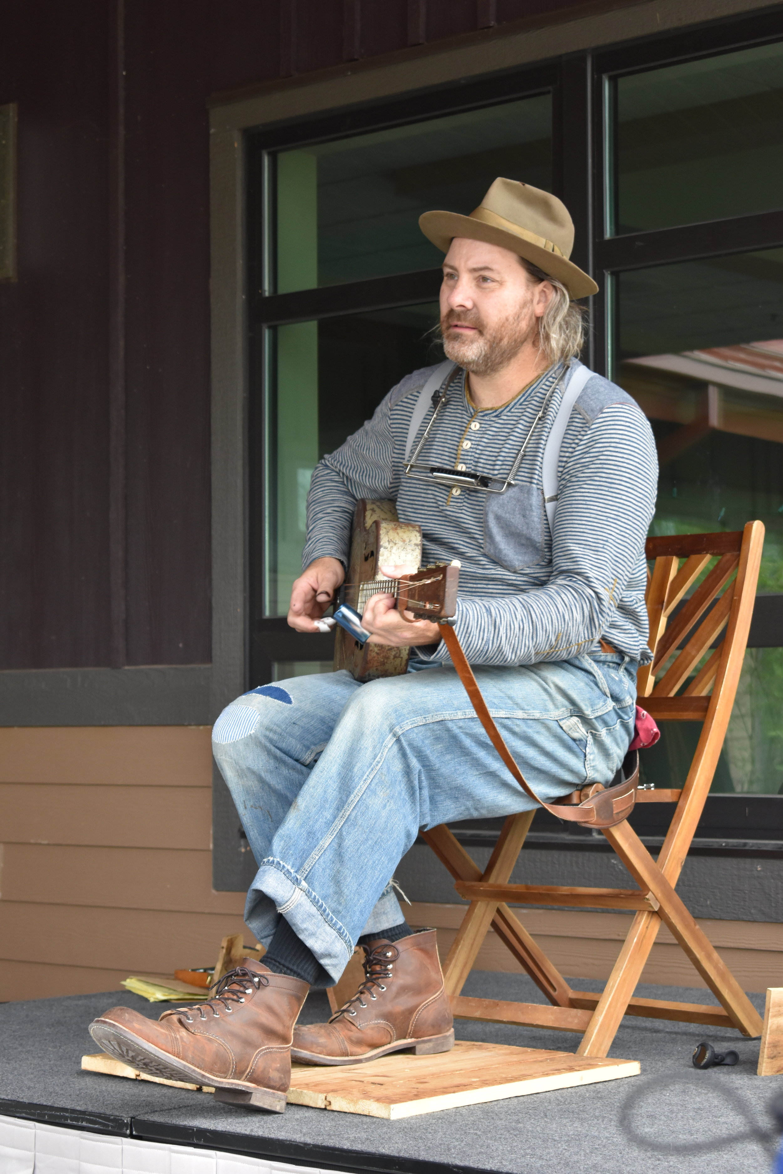 Folk Festival of Music and Dance- Folk musician Lou Shields
