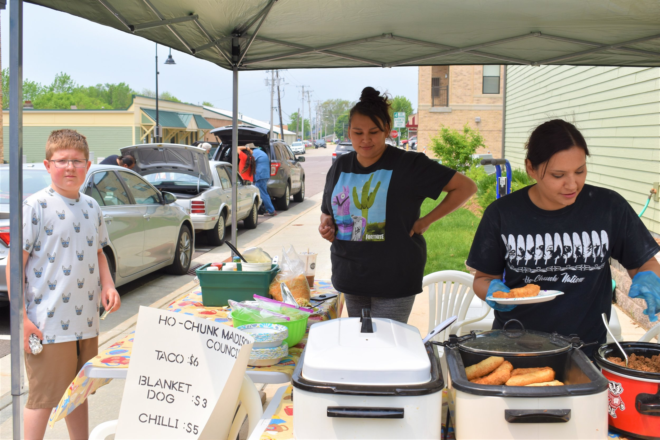 Pictured L to R, Nikki Thundercloud and Heather Hopinkah serve up Indian Tacos and Blanket Dogs