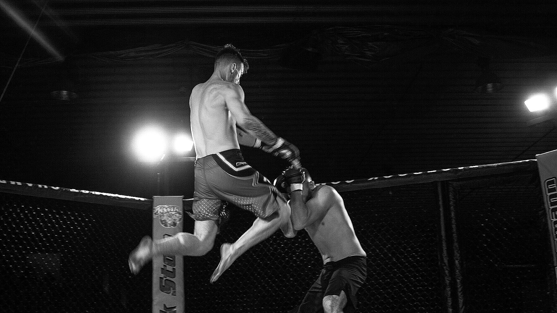FIGHT TEAM - PRO AND AMATEUR MMA
