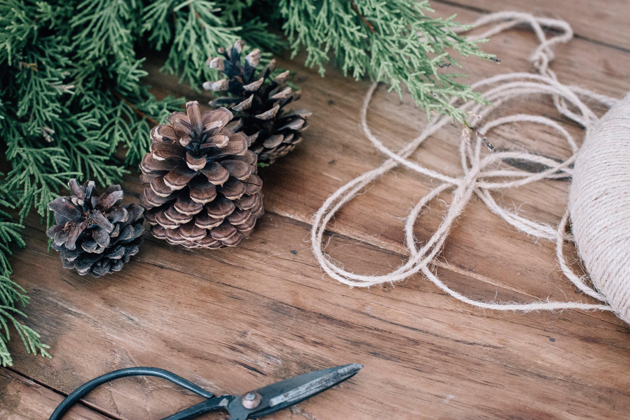 *zimtstern*_xmas specialsamstags 13.00 - 15.00 - was hat architektur mit weihnachten zu tun? auf den ersten blick nicht sehr viel - doch wir kreieren gemeinsam baumschmuck und geschenke, die das gegenteil beweisen. während es draussen langsam kälter und ungemütlicher wird - duftet es in unserem werkraum nach weihnachtsguetsli, bei musik und wintergeschichten basteln wir einzigartige geschenke für unsere familie, unsere freund*innen und für uns selbst!* * *termine: 2.11./9.11./16.11./23.11./ 30.11./ 7.12./14.12.chf 380inklusive material, snacks&drinks, musik, filme und geschichten…