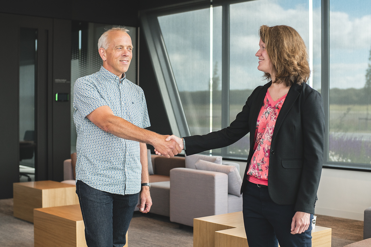 Niek van Belzen (Lead Analytical Technology Manager DOW Chemical) en Evelyn de Meyer (PhD student Universiteit Gent)